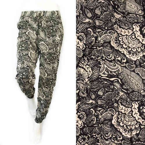 Sommerhose Paisley Leaves black