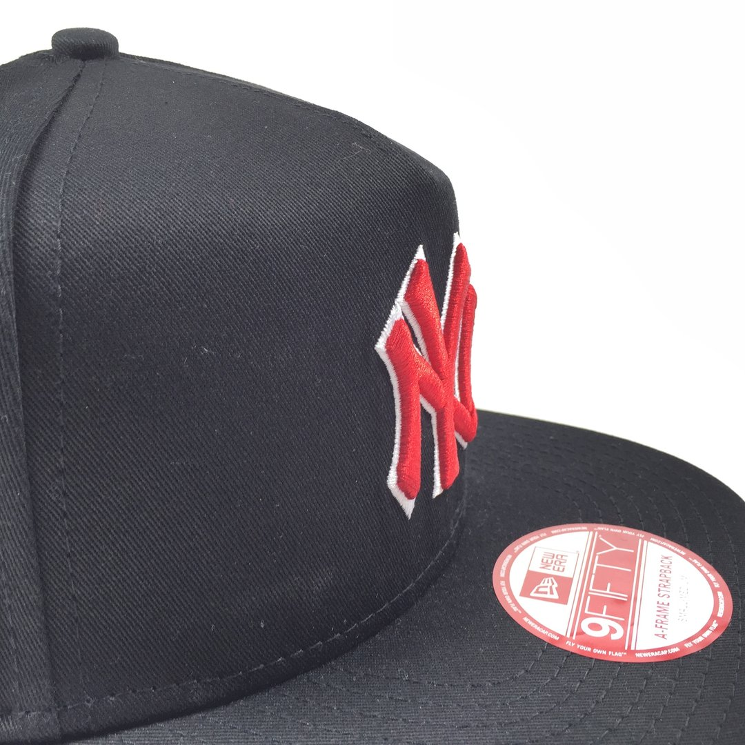 New York Yankees Flip Up Camo 9Fifty A-Frame - toxic-store.de