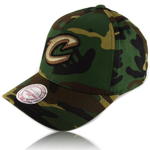 CURVED Camo Snapback Cap Cleveland Cavaliers